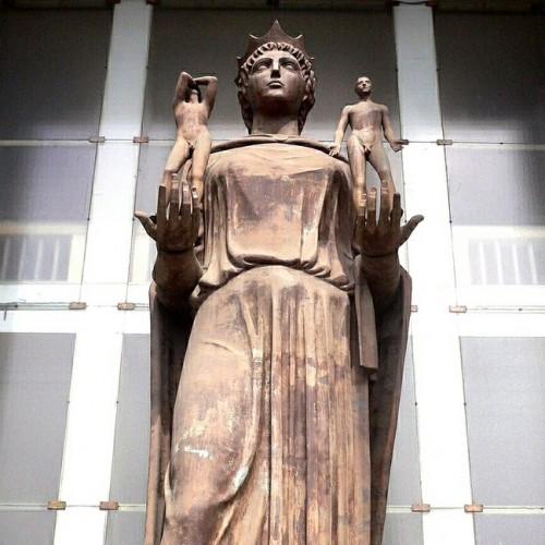 Risultati immagini per immagine della giustizia a catania